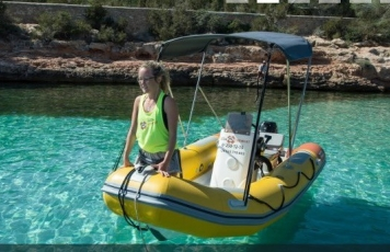 Boat Rental 15 HP